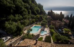 Ferienanlage mit Pool am Gardasee: Wir sind bereits für Sie an der Arbeit!