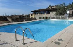 Ferienanlage mit Pool am Gardasee: Willkommen August